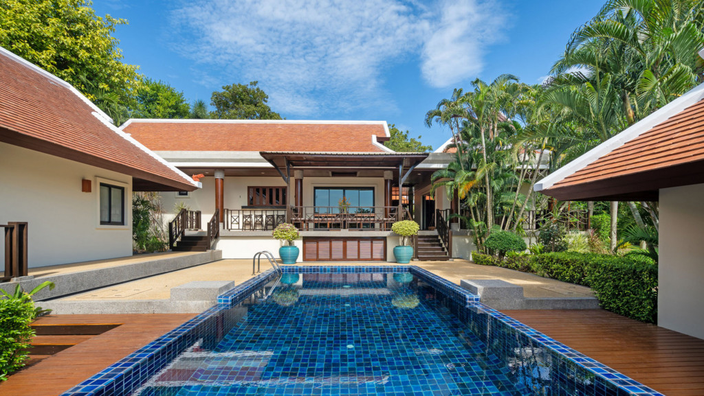 3 Bedroom Lake Front Villa